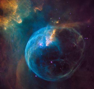 26Лет вместе схабблом: юбилейная подборка космических снимков
