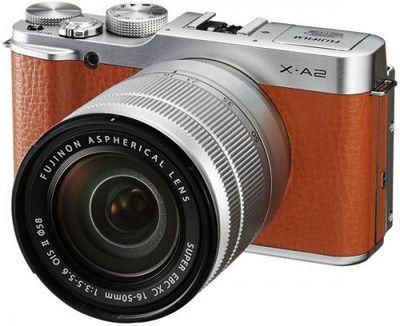Беззеркальная камера fujifilm x-a2 серии х оснащена поворотным дисплеем