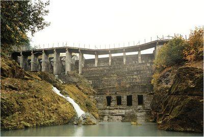 Гэс на реке эльва выключает генераторы для ликвидации плотины