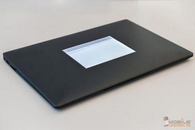 Intel показала прототип ноутбука с дисплеем e ink на оборотной стороне крышки