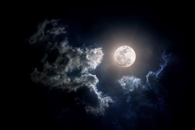 Как появилась луна?