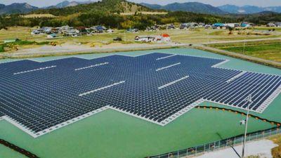 Крупнейшие плавучие солнечные электростанции открыты в японии