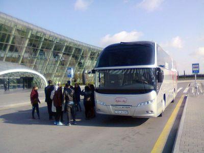 На гаити автобус упал в овраг