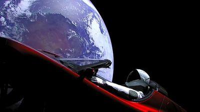 Отправленный в космос автомобиль может столкнуться с землей или венерой