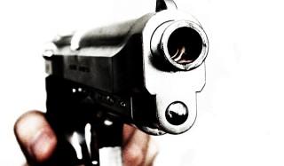 Пьяный подросток застрелил в кафе посетителя