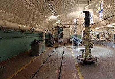 Подземелья холодной войны: подземная база подводных лодок