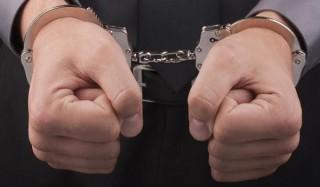 """Полиция арестовала у банка мужчину, который """"превращался в халка"""""""