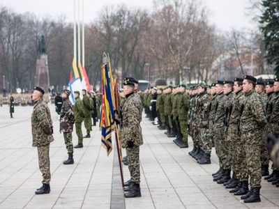 Премьер-министр литвы: молодёжь бежит за границу от призыва на военную службу - «военные действия»