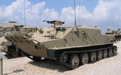 С брони танка под броню бтр