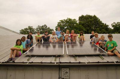 Школьники перевели свой класс на возобновляемые источники энергии
