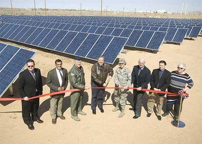 Солнечная ферма на военно-воздушной базе эдвардс