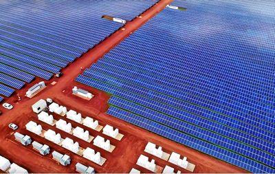 Tesla запускает солнечную электростанцию для питания острова