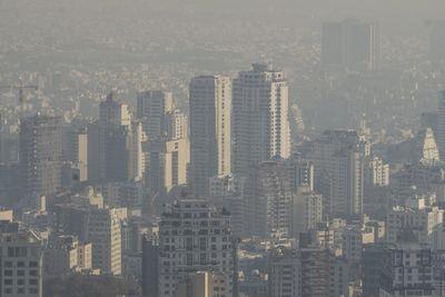 В иране столичные школы закрыли из-за загрязнения воздуха