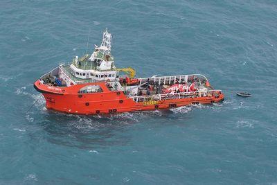 В яванском море нашли тела 5 погибших в результате крушения самолета