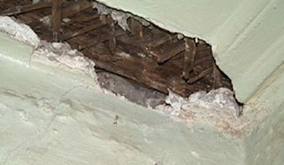В уральской школе на детей обрушился потолок