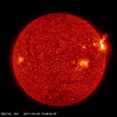 Вспышки на солнце оставили радиолюбителей без связи