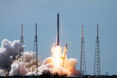 Взорвался американский фалькон: потерян третий за8месяцев космический грузовик